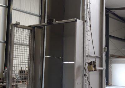 Behälterhebekipper, Auskipphöhe: 4 Meter