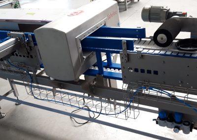 Scharnierbandförderer mit Metallcheck Sonderanlagenbau