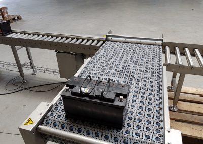90° Eckumsetzer in V4A für Batterieblöcke mit Intralox ARB Kugelkette
