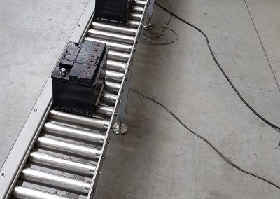 Rollenbahnförderer in V4A für Batterieblöcke