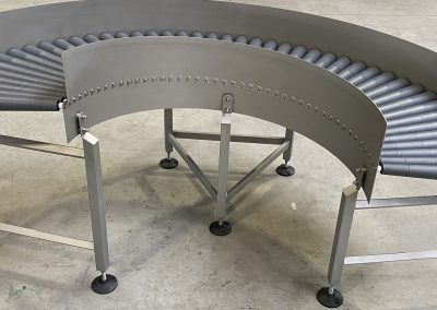 180° Schwerkraft Gefälle Rollenbahnkurve in verschränkter Ausführung